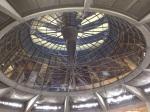 Das Bild zeigt die Glaskuppel im Bundestag